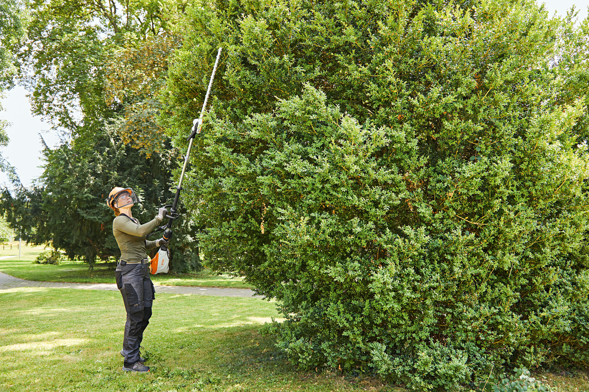 STHIL launches new long reach hedge trimmer