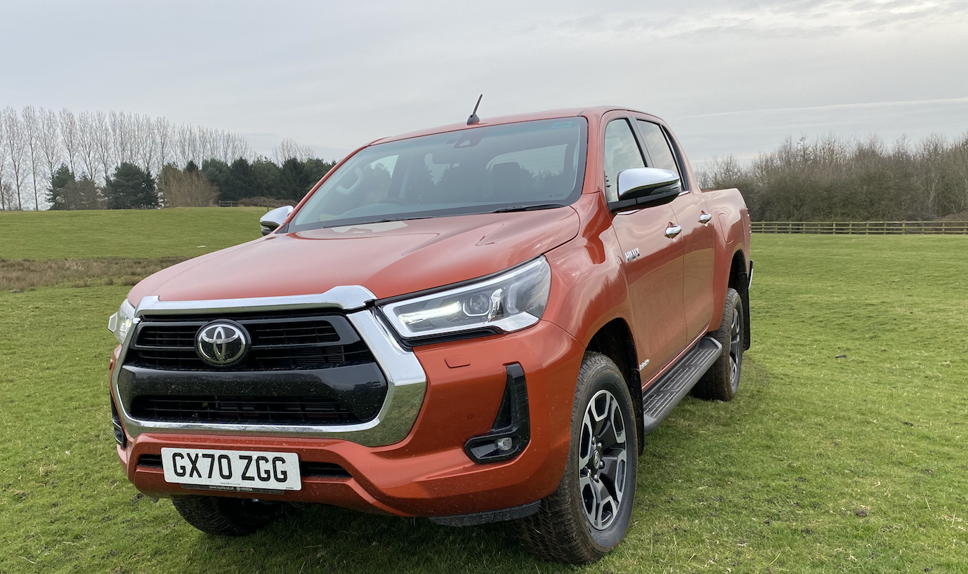 Review 2.8-litre Toyota Hilux pickup